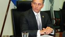CURAÇAO EIST DAT PREMIER SCHOTTE DIRECT STOPT ALS VOLKSVERTEGENWOORDIGER
