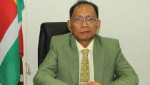MINISTERIE VAN ARBEID EVALUEERT WERKTIJDENREGELING EN WETGEVING VREEMDELINGEN