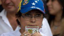 PRESIDENT MADURO PROBEERT REFERENDUM TE SABOTEREN
