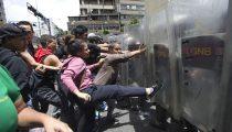 VENEZEULA: NAAR DICTATUUR OF REVOLUTIE?