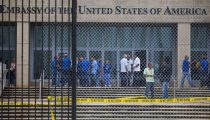 VS ROEPEN DIPLOMATEN OP CUBA TERUG NA 'MYSTERIEUZE AANVALLEN'