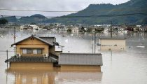 'HISTORISCH' ZWARE REGEN IN JAPAN: DODEN EN 1,6 MILJOEN MENSEN GEËVACUEERD