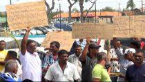PADIEBOEREN HOUDEN PROTESTACTIE IN NICKERIE